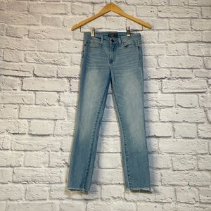 NWOT A & F Harper Low Rise Ankle Jeans 24S